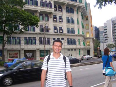 Di depan Gedung MICA